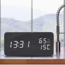 Radio Réveil en Bois avec Heure Température Humidité Dissimulée